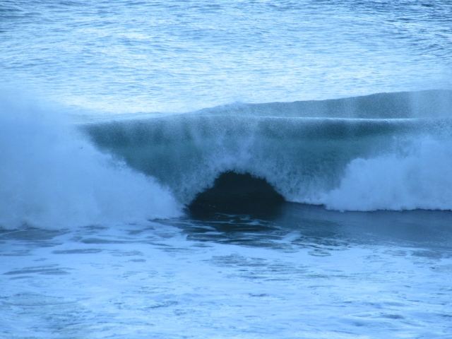 A wave cave at Misty Cliffs