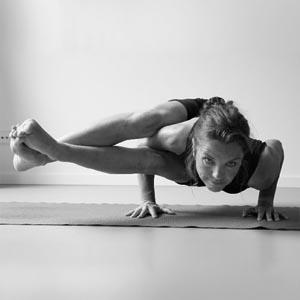 http://www.amsterdampoweryoga.nl/images/yoga3.jpg
