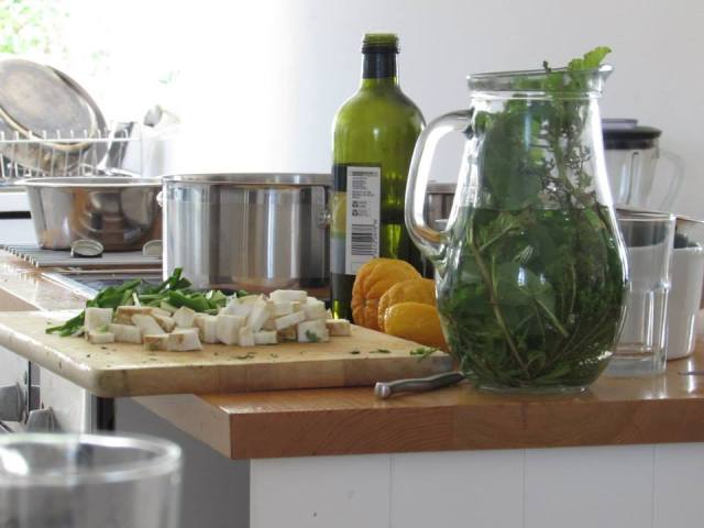 A bustling Kommetjie kitchen with fragrant aromas