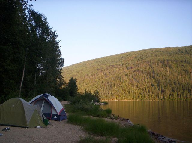 1200px-Camping_by_Barriere_Lake,_British_Columbia_-_20040801