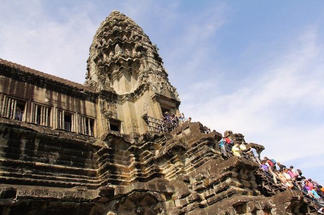 angkor-wat-temple-934090_1280