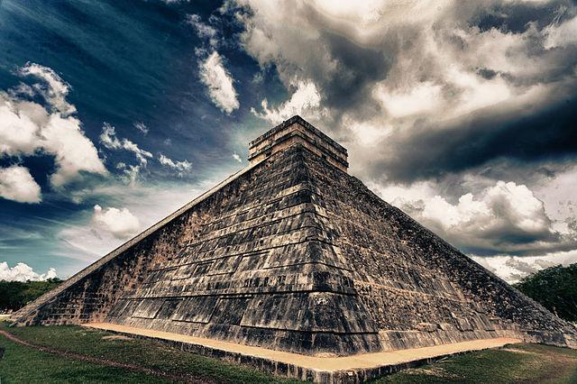 640px-Chichén_Itzá,_Mexico.jpg