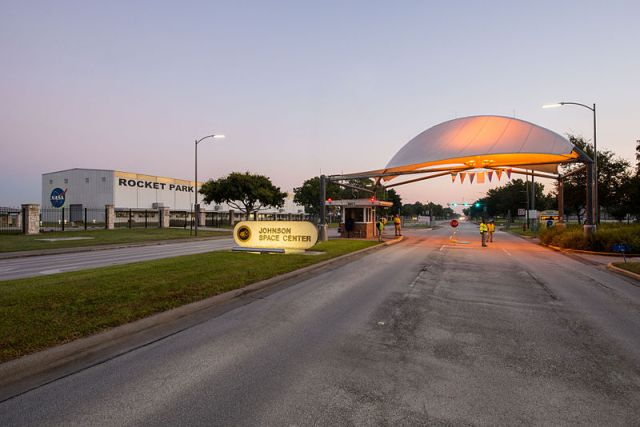 Johnson_Space_Center_Main_Entry_Gate_(1)