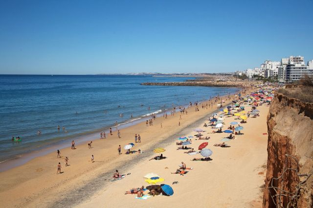 algarve_beach_908650126