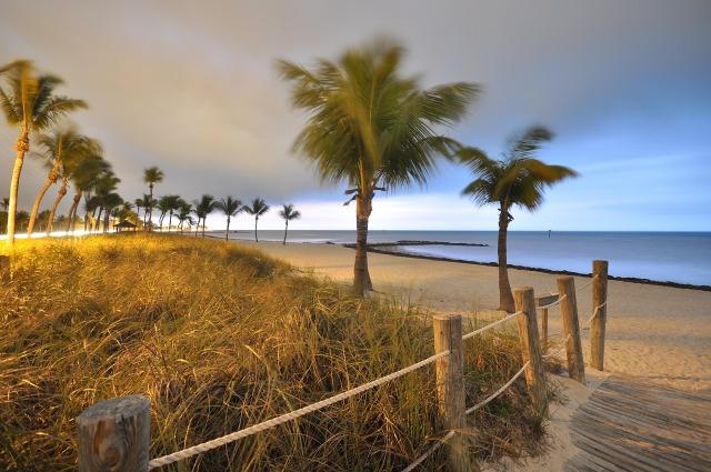 beach-825650_1280